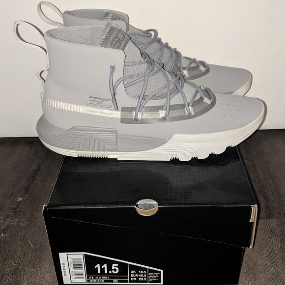 the best attitude a9460 3bccc DS Under Armour Steph Curry SC 3ZERO II NWT